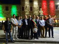 """Piazza Peruzzi si """"veste"""" di luce, ecco il nuovo look"""